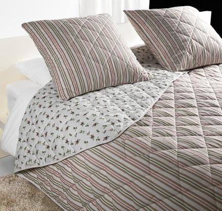 Come scegliere la coperta giusta per la camera da letto for Come costruire un aggiunta coperta
