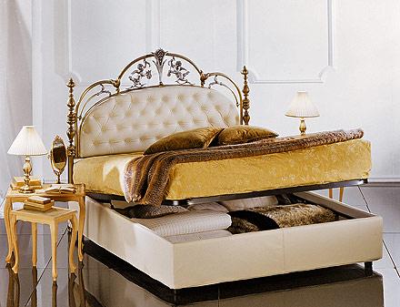 Letti alti con contenitore design casa creativa e mobili for Letto a cassettone
