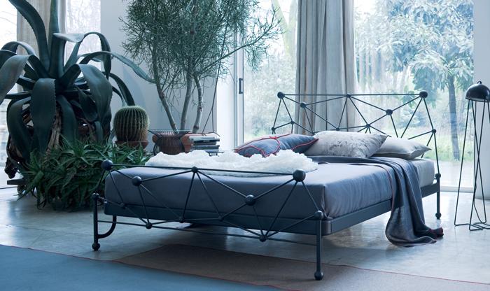 Come scegliere un letto in ferro battuto, metallo o ottone